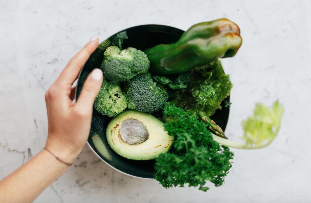 vegane gemüse schüssel
